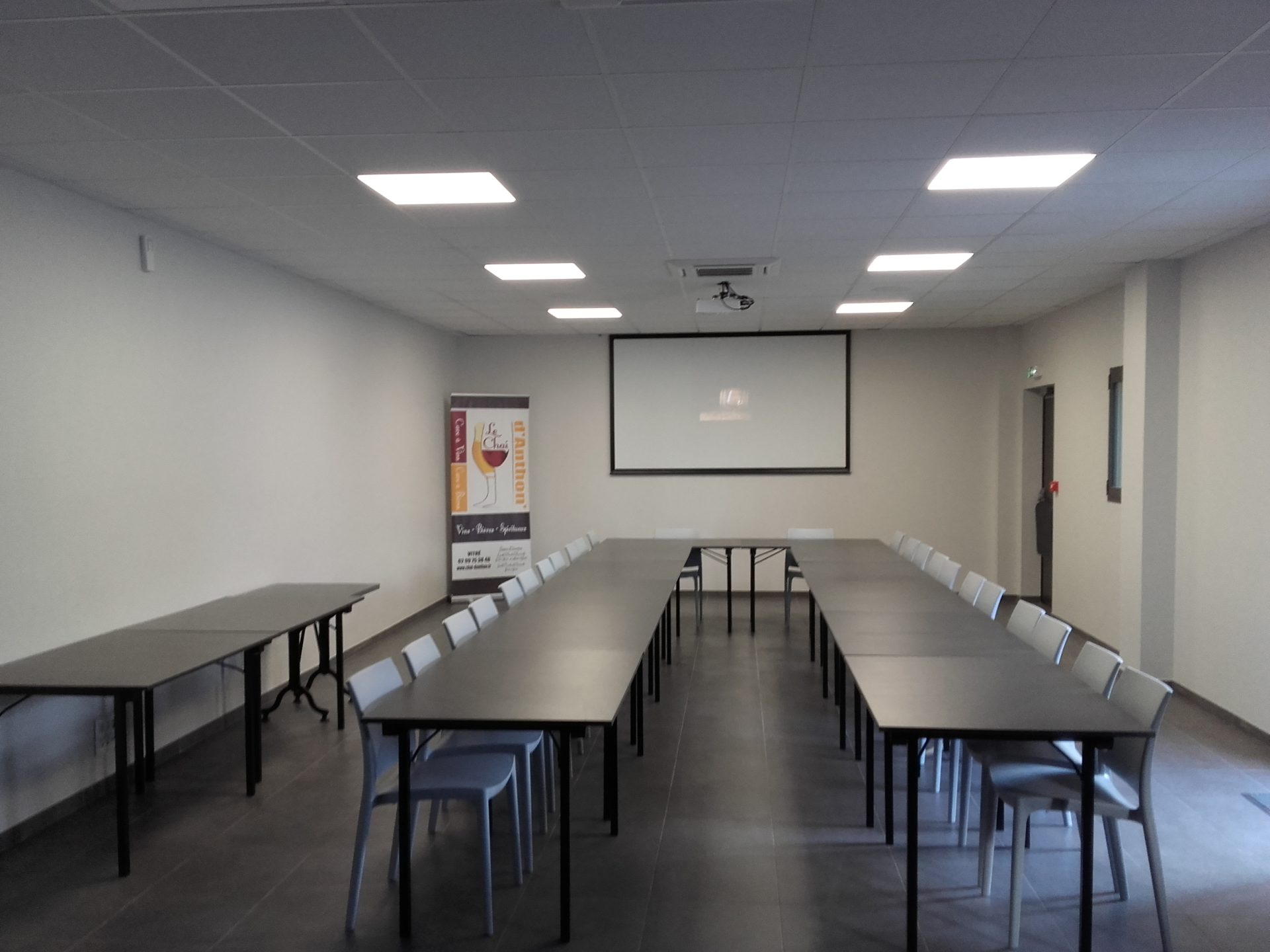 Le Chai D&323.jpg039;Anthon Salle De Réunion 323